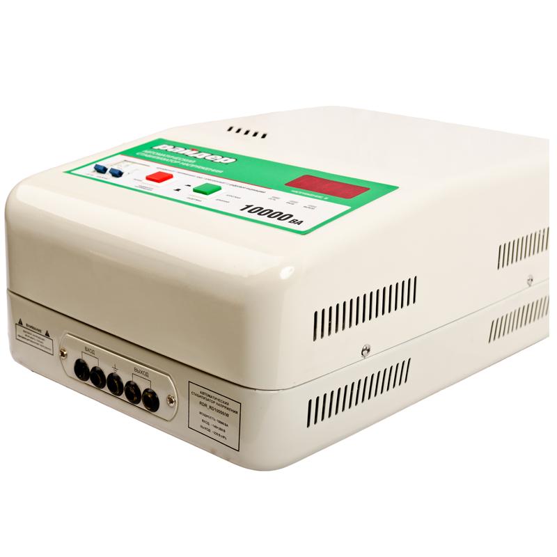 Однофазный стабилизатор напряжения РАЙДЕР RDR 10000 (навесной)Стабилизаторы напряжения<br>Однофазный стабилизатор напряжения РАЙДЕР RDR 10000  навесной<br><br>Применение: Для дачи<br>Тип напряжения: Однофазный<br>Принцип стабилизации: Релейный<br>Мощность (кВА): 10<br>Способ установки: Настенный<br>Габаритные размеры (мм): 400x285x170<br>Вес (кг): 17.1<br>brutto-demissions: 340х458х240<br>brutto-weight: 19100